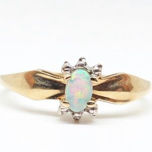 10k Yellow Gold Genuine Vintage Opal Halo Ring